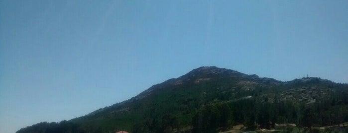 Monte Louro is one of Costa da Morte en 2 días.