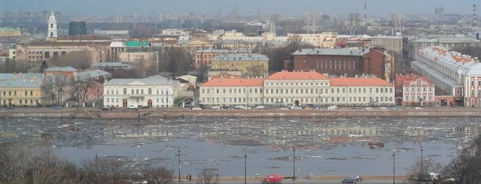 Neva River is one of Санкт-Петербург.