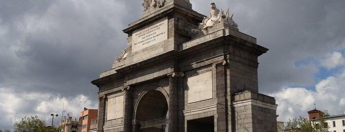 Puerta de Toledo is one of @ Madrid (MD, España).