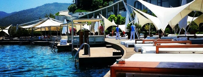 Kuum Hotel Beach is one of Global.