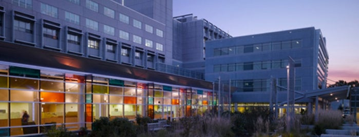 Holy Cross Hospital is one of hospitals.