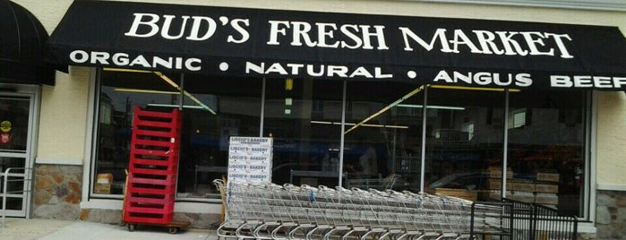 Buds Market is one of Jersey Shore Vaca Musts.