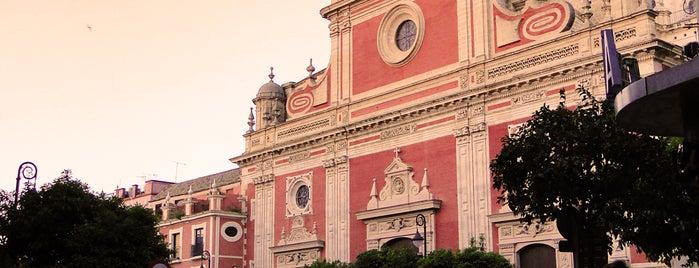 Iglesia del Salvador is one of 11 edificios religiosos de interés turístico.