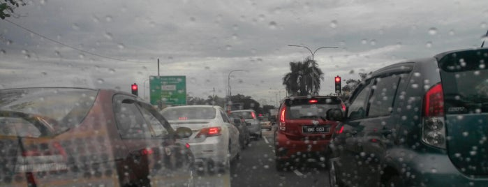 Bayu Traffic Light is one of Highway & Common Road.