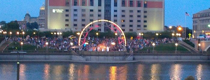 Simon Estes Amphitheater is one of Entertainment: USA.