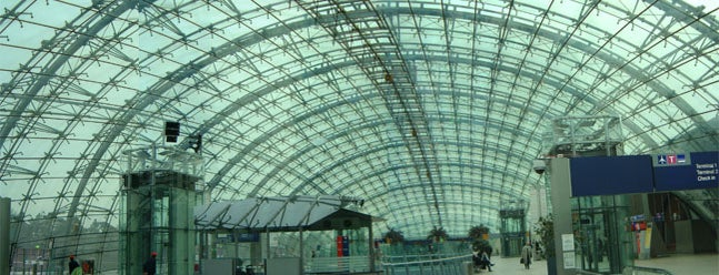 Frankfurt Airport (FRA) is one of Noj Otsëit's tips.