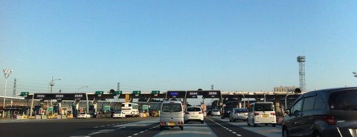 新座料金所 is one of 高速道路.