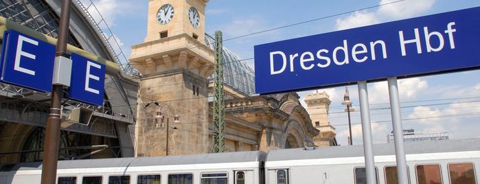 Dresden Hauptbahnhof is one of Top 40 Foursquare Bahnhöfe.