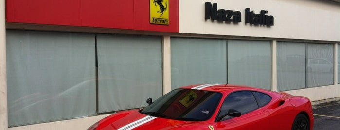 Ferrari 3S Centre (Naza Italia) is one of My Favorite Places.