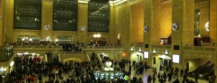 Grand Central Terminal is one of Tourist Tips: Manhattan in a Day.