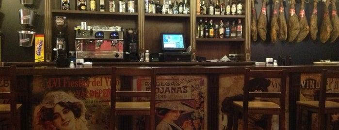 la Hacienda Ibérica is one of Pubs de Alcoy.