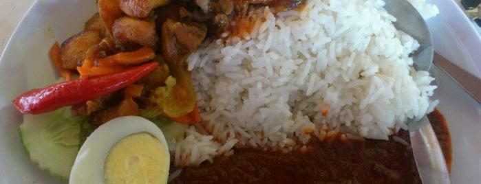 Nasi Lemak Cinta Sayang is one of Makan @ Shah Alam/Klang #1.
