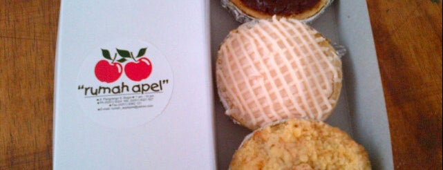 PIA apple-pie is one of Must-visit Food in Bogor.