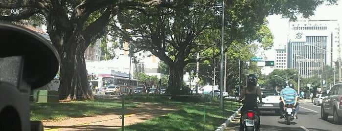 Centro is one of Bairros de Campo Grande.