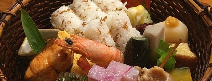 とゝや魚新 is one of Michelin Guide Tokyo (ミシュラン東京) 2012 [*].