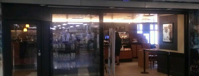 Starbucks Coffee JR東京駅 八重洲北口店 is one of スターバックス.