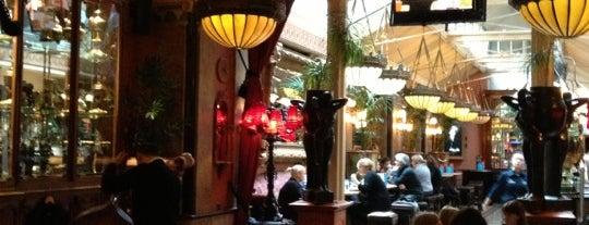 Café en Seine is one of Free wifi.