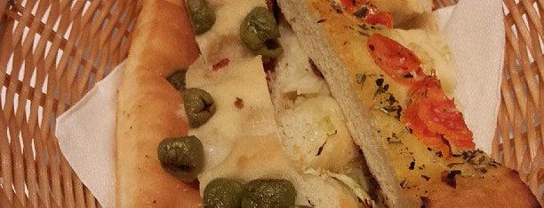 La Tagliatella is one of los mejores sitios para comer en Alicante.
