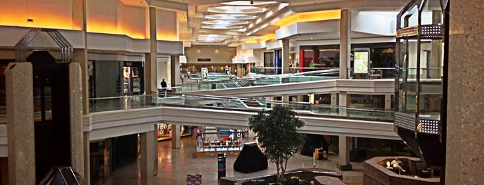 Woodfield Mall is one of All-time favorites in United States.