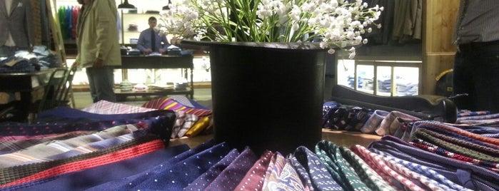 Lander Urquijo is one of Shopping in Madrid.