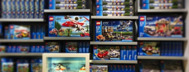 The LEGO Store is one of Guide to Hanover's best spots.