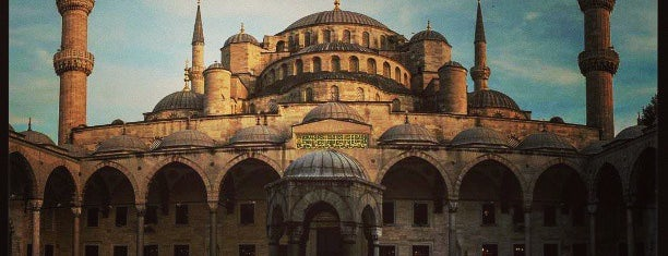 Süleymaniye Mosque is one of istanbul turist stayla.