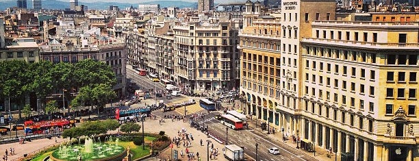 Plaça de Catalunya is one of places.