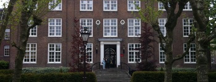 Corvershof is one of Amsterdamse hofjes.