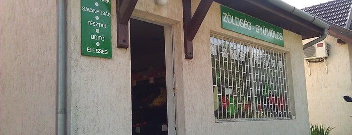 Évi's - Vegetable shop is one of Kedvencek.