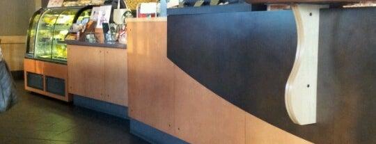 Starbucks (สตาร์บัคส์) is one of Coffeelover ♪(´ε` ).