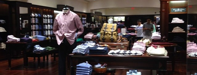 Brooks Brothers is one of Tiendas en PLAZA.