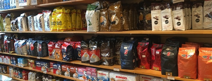 Cerini Coffee & Gifts is one of T's Foodie Lists: Bronx - Little Italy.