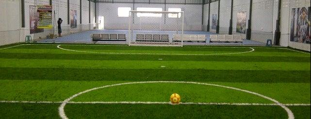 YANITRA FUTSAL ( Lapangan Futsal Rumput Sintetis Standart FIFA) is one of Lapangan Futsal.