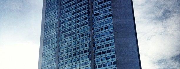 Grattacielo Pirelli is one of 101Cose da fare a Milano almeno 1 volta nella vita.