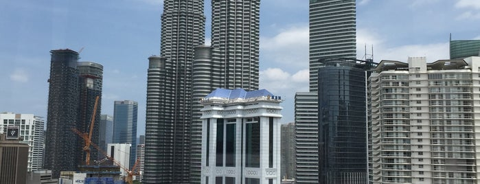 Renaissance Kuala Lumpur Hotel is one of Ziad's Tips.