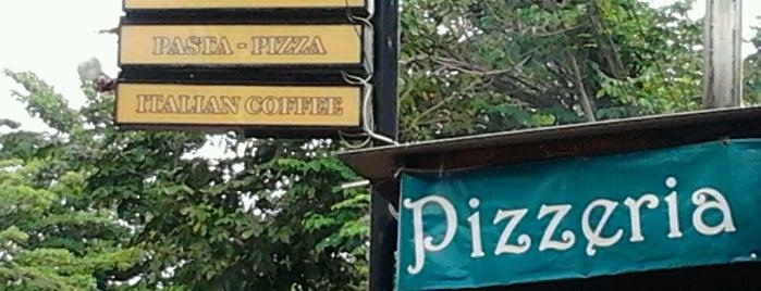 Nanamia Pizzeria is one of Maen-maen.
