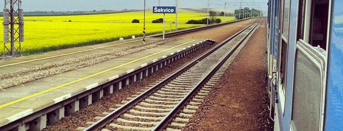 Železniční stanice Šakvice is one of Železniční stanice ČR: Š-U (12/14).
