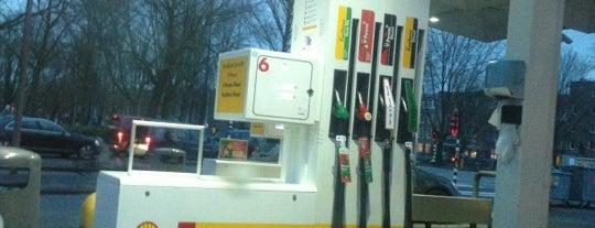 Shell tankstation Hobbemakade is one of Shell Tankstations.
