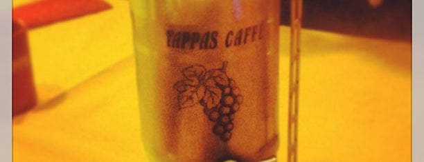 Tappas Caffé is one of Francesinhas.