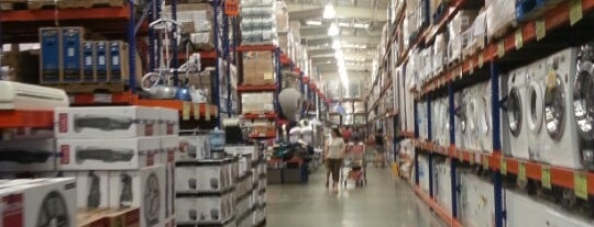 S&R Membership Shopping is one of Malls.