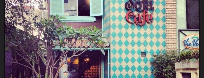 Sofá Café is one of Henri's TOP Coffee Shops.