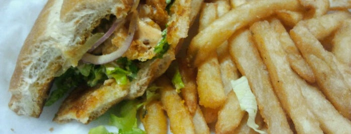 Street Life Mobile Food is one of St. Louis food trucks.