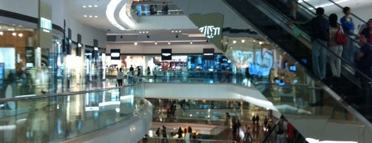 Festival Walk 又一城 is one of Shopping Malls.