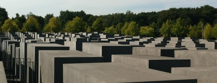Memorial to the Murdered Jews of Europe is one of Guten Tag, Berlin!.