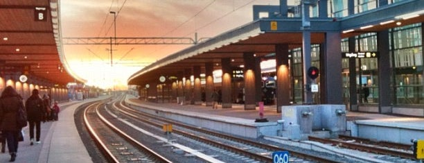 Uppsala Centralstation is one of SE - Sthlm - Pendeltåg.