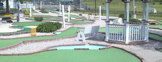 Helman's Driving Range & Mini Golf is one of Kitty list.