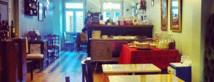 Orpheu Caffé is one of Os melhores cafés de Lisboa.