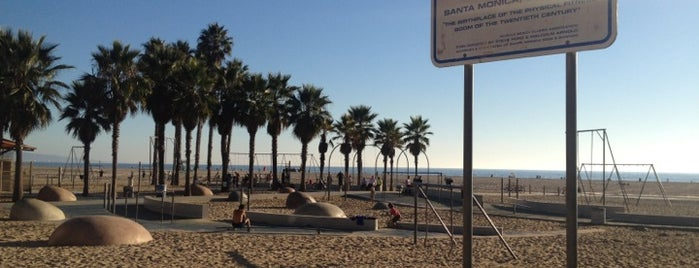 Original Muscle Beach is one of Los Angeles.