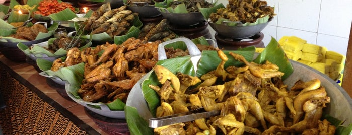 Warung Nasi AMPERA is one of Top 10 restaurants when money is no object.