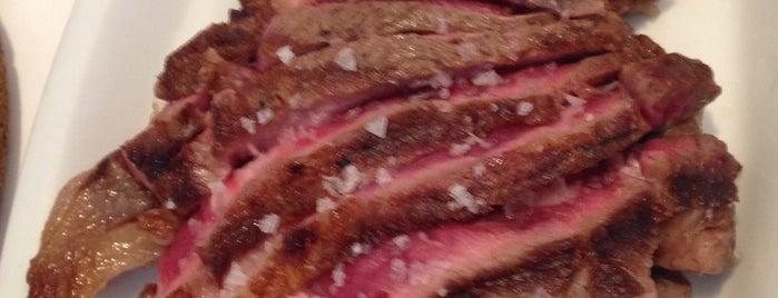 La Vaca Argentina is one of Mis restaurantes favoritos.